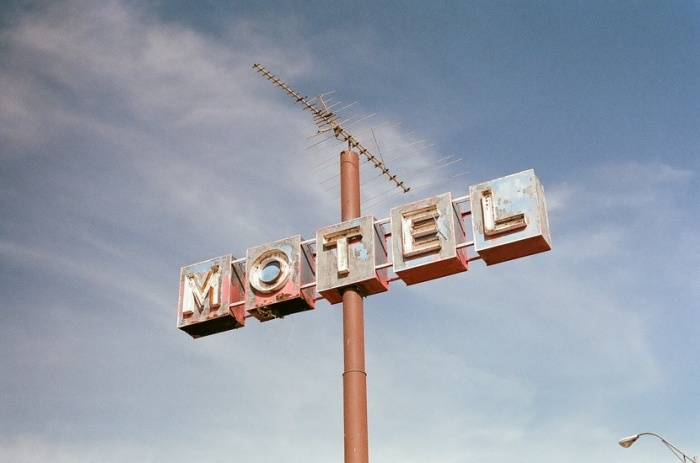 hotel-sign-motel-large