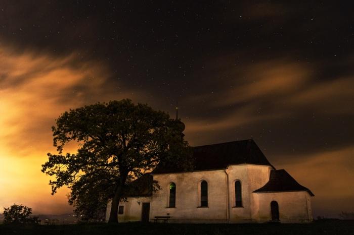 night-house-stars-church-large